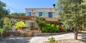 Mediterranean finca in picturesque surroundings in Llucmajor (Thumbnail 1)