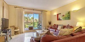 Luxuriöses Apartment im ersten Stockwerk einer eindrucksvollen Wohnanlage (Thumbnail 3)