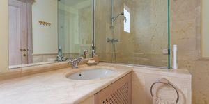Luxuriöses Apartment im ersten Stockwerk einer eindrucksvollen Wohnanlage (Thumbnail 9)