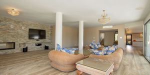 Spacious luxury villa with seven bedrooms in the environments of Son Vida (Thumbnail 4)