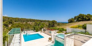 Imposante Luxus Villa mit Blick in die Bucht von Palma (Thumbnail 2)