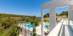 Imposante Luxus Villa mit Blick in die Bucht von Palma (Thumbnail 3)