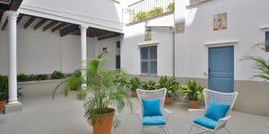 Apartment with private terrace and garden area in the centre of Palma de Mallorca (Thumbnail 1)