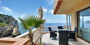 Apartment with sea view in Nova Santa Ponsa (Thumbnail 1)