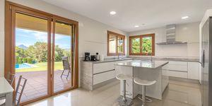 Villa in Santa Ponsa - elegante Immobilie mit Panoramablick bis zur Bucht (Thumbnail 6)
