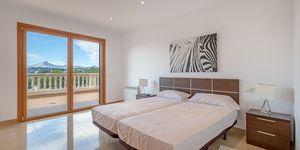 Villa in Santa Ponsa - elegante Immobilie mit Panoramablick bis zur Bucht (Thumbnail 10)