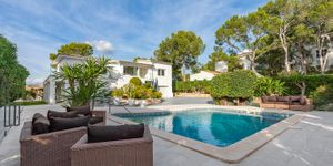 Modern villa with beautiful views to the Santa Ponsa bay (Thumbnail 1)