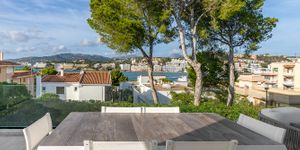 Modern villa with beautiful views to the Santa Ponsa bay (Thumbnail 1)