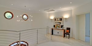 Sol de Mallorca: Comfortable luxurious villa in 1st sea line (Thumbnail 9)