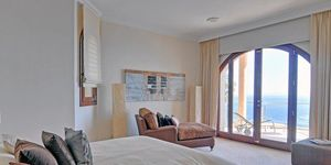 Sol de Mallorca: Comfortable luxurious villa in 1st sea line (Thumbnail 10)