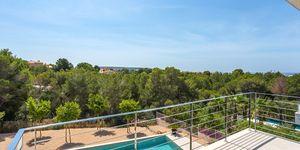 Luxusní vila s výhledem na moře v oblíbené obci Santa Ponsa, Malorka (Thumbnail 4)