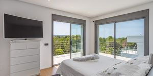 Luxusní vila s výhledem na moře v oblíbené obci Santa Ponsa, Malorka (Thumbnail 9)