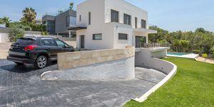 Luxusní vila s výhledem na moře v oblíbené obci Santa Ponsa, Malorka (Thumbnail 2)