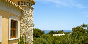 Sol de Mallorca: Stately sea views villa on spacious property (Thumbnail 2)