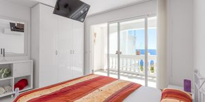Renovated apartment in the first sea line in Port Andratx (Thumbnail 4)