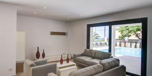 Modern villa close to the sea in Santa Ponsa (Thumbnail 4)