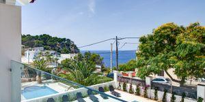 Villa in Santa Ponsa - Modernes Anwesen mit Meerblick (Thumbnail 1)