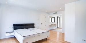 Modern villa close to the sea in Santa Ponsa (Thumbnail 8)
