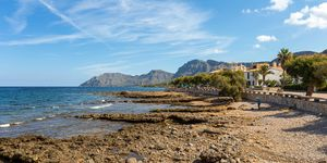 Mediterranean villa with pool and sea views in Colonia San Pere (Thumbnail 10)