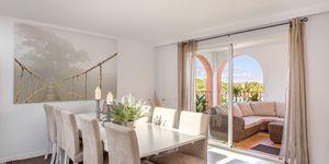 Reihenhaus in Portocolom - Erstklassige Immobilie mit Teilmeerblick in mediterraner Anlage (Thumbnail 7)