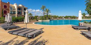 Reihenhaus in Portocolom - Erstklassige Immobilie mit Teilmeerblick in mediterraner Anlage (Thumbnail 1)