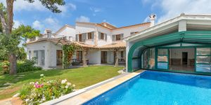 Nova Santa Ponsa: Luxury villa with sea views (Thumbnail 1)