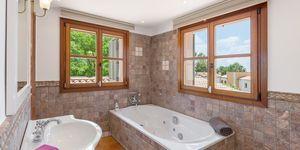 Nova Santa Ponsa: Luxury villa with sea views (Thumbnail 7)