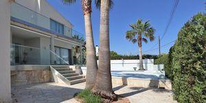 Villa in Cala Pi - Modernes Chalet in zweiter Meereslinie (Thumbnail 3)