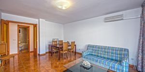 Apartment with large terrace in sought-after location of Palma (Thumbnail 3)