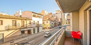 Apartment with large terrace in sought-after location of Palma (Thumbnail 1)