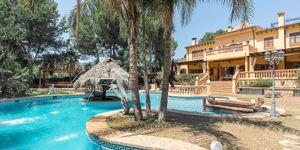 Luxus-Villa am Yachthafen von Puerto Portals mit einzigartiger Ausstattung (Thumbnail 10)