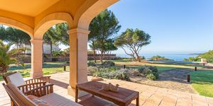 Mediterranes Villen Anwesen in erster Meereslinie (Thumbnail 2)