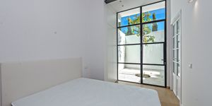 Apartment with private terrace in Santa Catalina, Palma (Thumbnail 6)