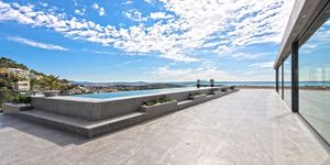 Luxury property with panoramic views in Genova (Thumbnail 2)