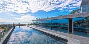 Luxury property with panoramic views in Genova (Thumbnail 1)