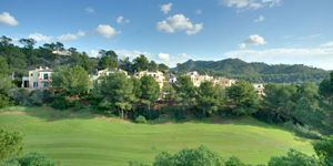Golf property with panoramic views for sale in Camp de Mar (Thumbnail 2)