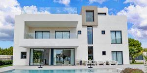 Neubau Villa im modernen Baustil in Puig de Ros (Thumbnail 1)