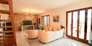 Villa mit Naursteinfasade, Hafenblick und Indoor-Pool (Thumbnail 5)