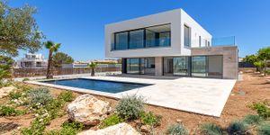 Moderní novostavba s bazénem u moře na Malorce (Thumbnail 1)