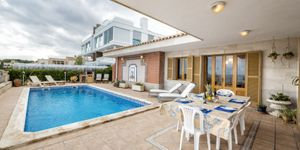 Villa in erster Meereslinie in Portocristo mit Lizenz zur Ferienvermietung (Thumbnail 3)