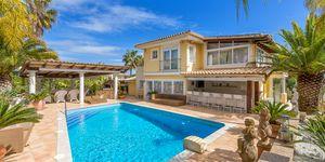 Family villa in Nova Santa Ponsa for sale (Thumbnail 1)