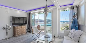 Stylisches Meerblick Apartment bei Port Adriano in erster Meereslinie (Thumbnail 2)