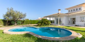 Villa in second sea line in Sa Torre for sale (Thumbnail 4)