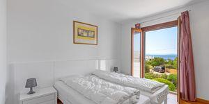 Villa im modernen Baustil in 2. Meereslinie mit Ferien-Vermietungslizenz (Thumbnail 8)
