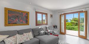 Villa im modernen Baustil in 2. Meereslinie mit Ferien-Vermietungslizenz (Thumbnail 3)