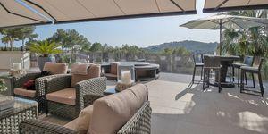 Moderní vila s bazénem v žádané lokalitě v Bendinat, Malorka (Thumbnail 3)