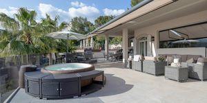 Moderní vila s bazénem v žádané lokalitě v Bendinat, Malorka (Thumbnail 2)