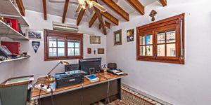 Villa in Palma - historisches Anwesen mit Top Meerblick (Thumbnail 8)
