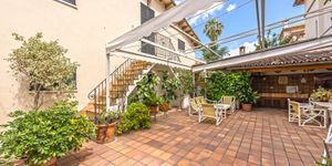 Villa in Palma - historisches Anwesen mit Top Meerblick (Thumbnail 9)