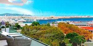 Luxurious apartment with harbor views in Palma de Mallorca (Thumbnail 2)